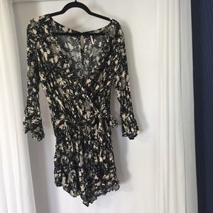 Free People Black Floral Faux Wrap V-Neck Romper L